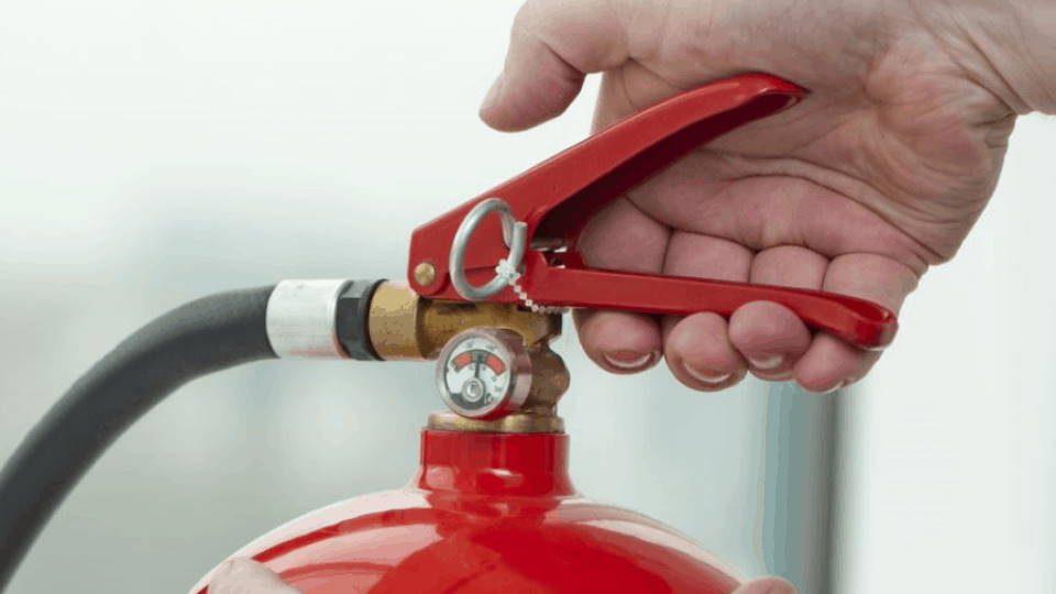 Fire-extinguisher-960×540